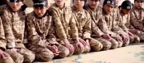 Niños, militantes forzados al servicio del terror