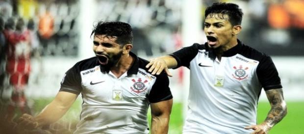 Guilherme comemora gol corintiano