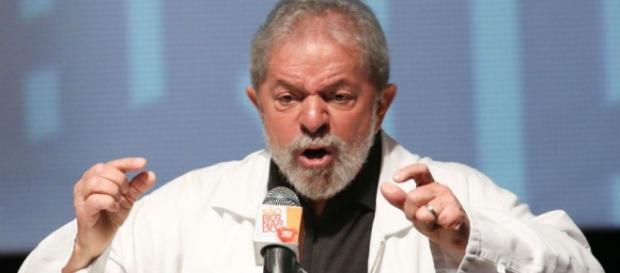 Lula teve que depor para Polícia Federal