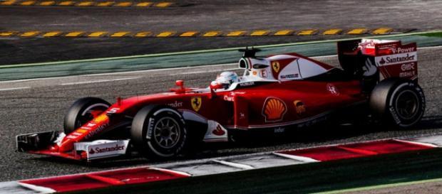 Massa é 2º e Raikkonen 1º: penúltimo dia de testes