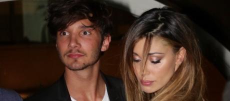 Belen: Stefano De Martino piange in tv, ma lei non c'entra