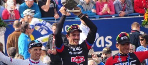Il podio della Parigi-Roubaix 2015: chi ci salirà quest'anno?