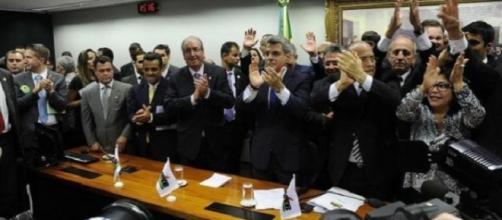 Três dos seis ministros do PMDB.