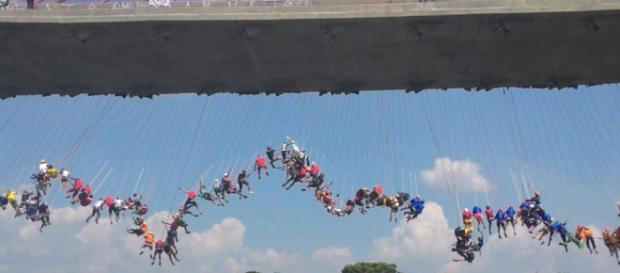 Rope jumping - Pêndulo humano - Rope swing