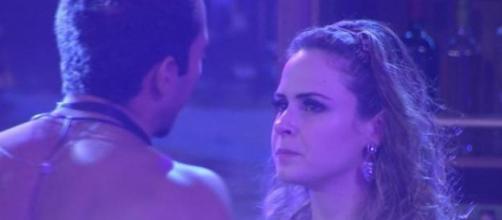 Momentos antes de Ana Paula dar um tapa em Renan