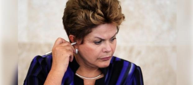 Dilma Rousseff fica nervosa com Delcídio
