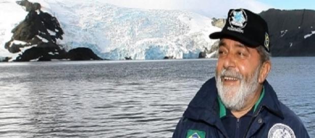 Mandato sendo cumprido na casa de Lula