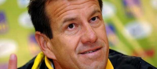 Dunga não sabe se poderá contar com Neymar
