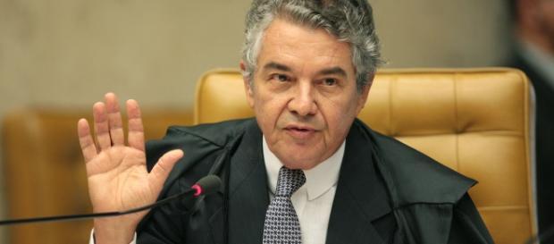 Ministro repudia condução coercitiva de Lula