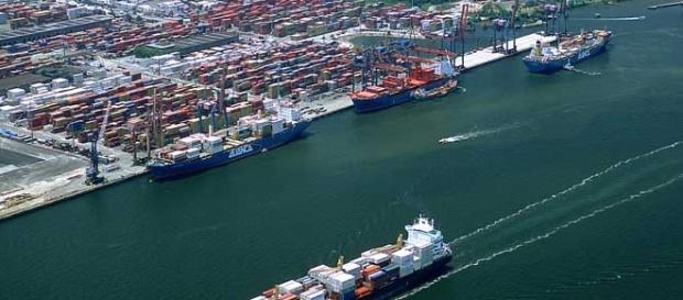 Foto do porto de Santos em São Paulo