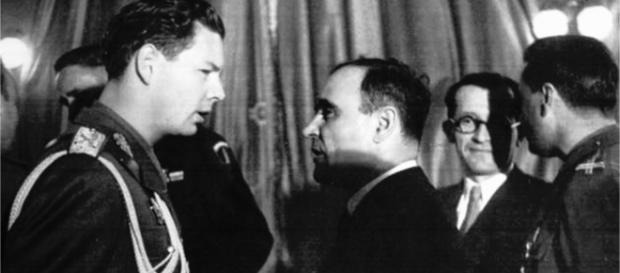 Regele Mihai I și dr. Petru Groza