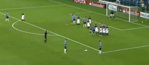 Fred marcou o único gol do Grêmio