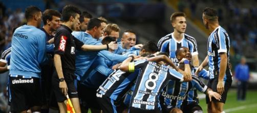 Grêmio respira por aparelhos na Primeira Liga