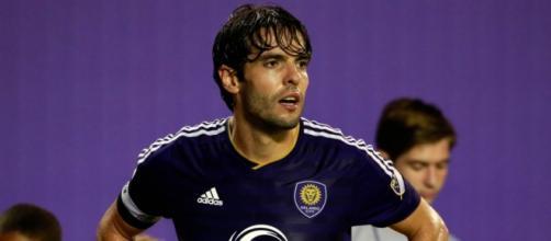 Kaká exerce forte liderança fora de campo