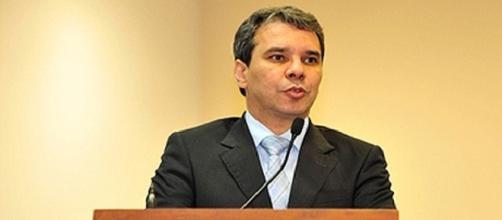 Liminar suspende nomeação de Ministro da Justiça