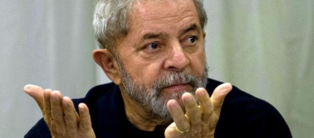 Lula é intimado para depor novamente.