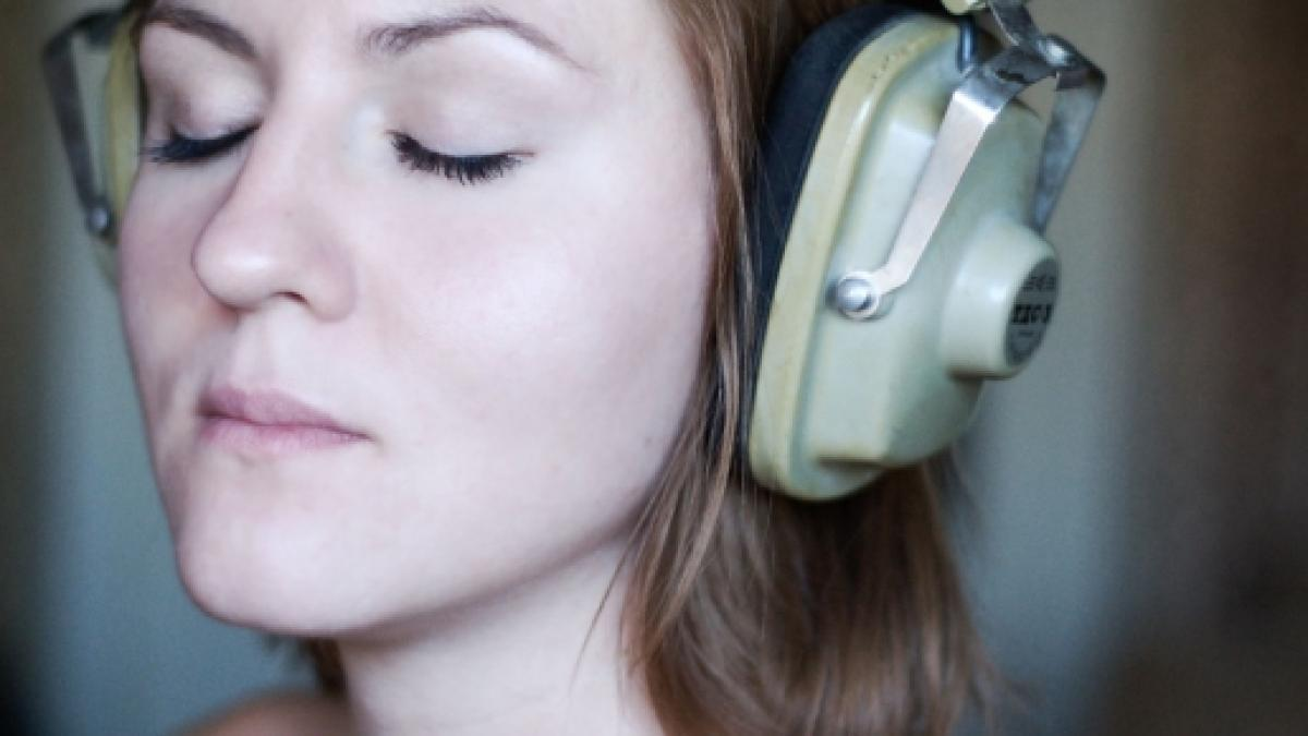 Therapists embrace headsets for Autism, Alzheimer's
