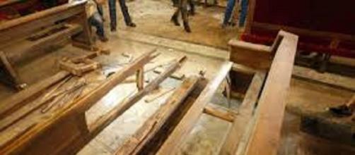 Daños producidos por la bomba en la Basílica