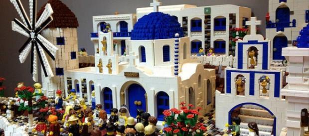 Ilha grega de Santorini feita com Lego