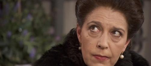 Francisca infastidita dalla guarigione di Aurora