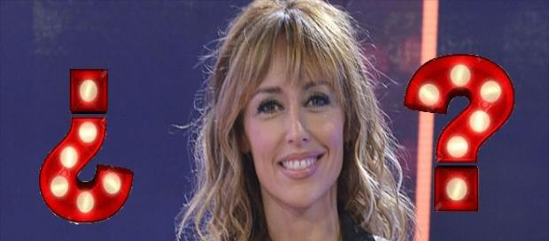 La presentadora en el plató de MYHYV
