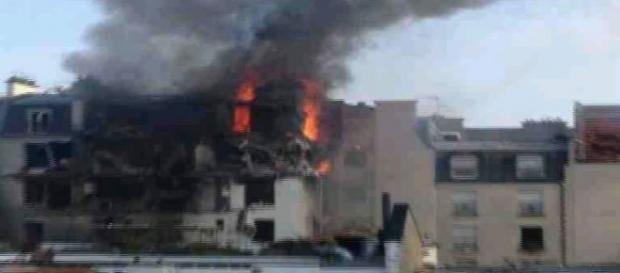 O puternică explozie s-a produs vineri la Paris