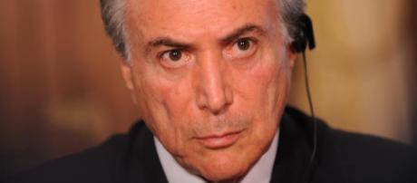 Michel Temer fala como se a Câmara tivesse aceitado o impeachment
