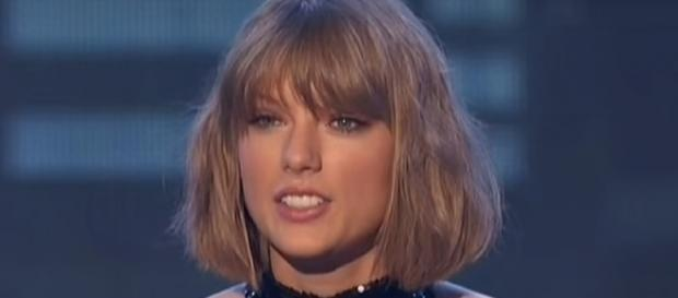 Taylor Swift at the iHeart Music Awards