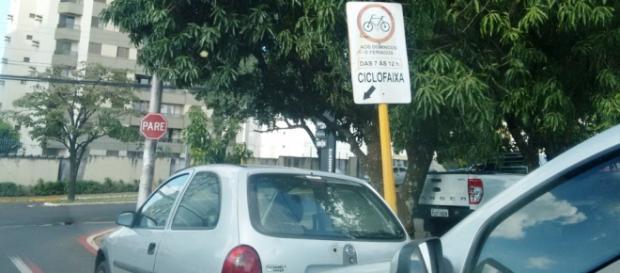 Em Bauru, as ciclofaixas são estacionamentos durante a semana