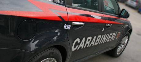 Calabria, donna accoltellata al petto