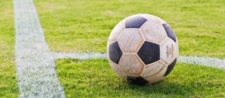 Costretto a tagliarsi la cresta per giocare a Calcio.
