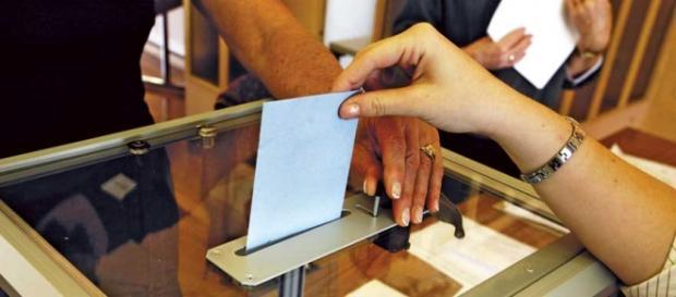 Cinci români candidează în alegerile din Italia