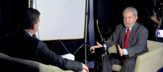Glenn Greenwald e Lula em entrevista