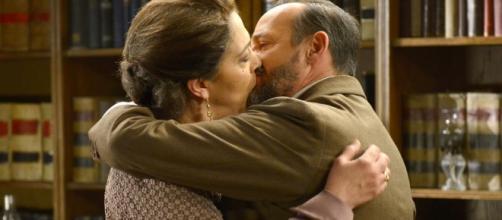 Il Segreto, il bacio di Raimundo e Francisca