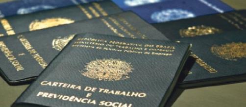 Ministério Público do Trabalho rescinde contrato de terceirizados e estagiários, no RS.