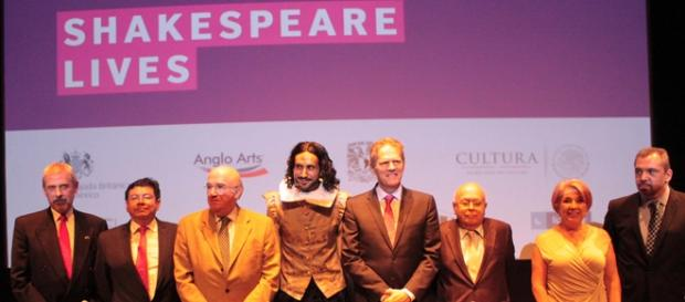 Conferencia de prensa Shakespeare Lives