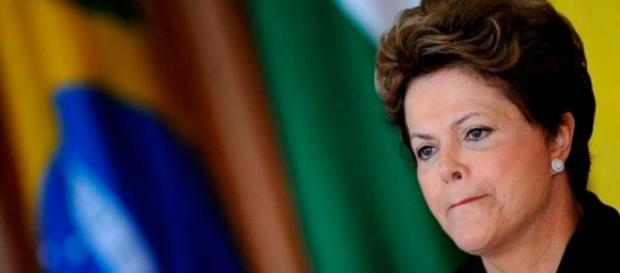 Dilma Rousseff convive com a sombra do impeachment