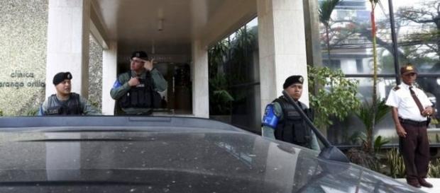 El allanamiento se llevó a cabo por la policía y los funcionarios de la unidad de crimen organizado de Panamá