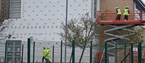 Las inspecciones de seguridad han llevado a cabo en la escuela afectada por los cierres