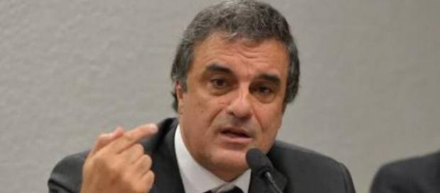 AGU pede a anulação do impeachment