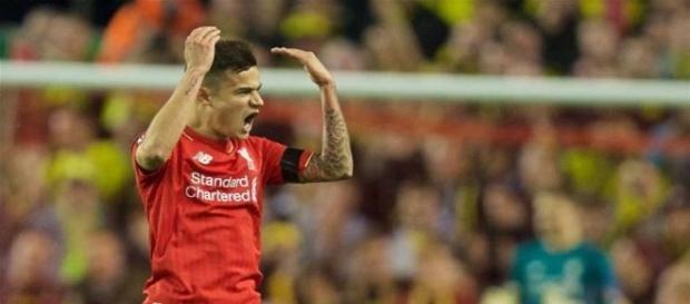 Coutinho autor do segundo gol do Liverpool na partida.