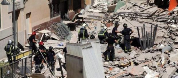 palazzina crollata a Tenerife si temono morti