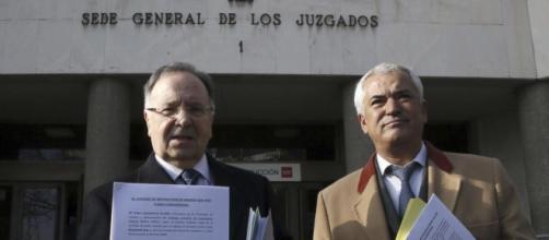 Los directivos de ambas asociaciones, detenidos esta misma mañana acusados de extorsión.