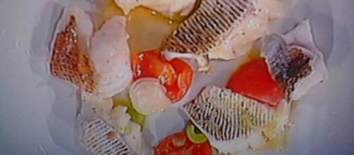 Pesce lucerna in guazzetto di pomodoro