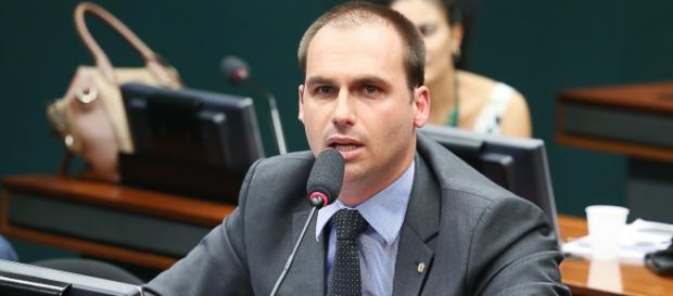 Aristides ficou calado durante e após a fala de Eduardo Bolsonaro