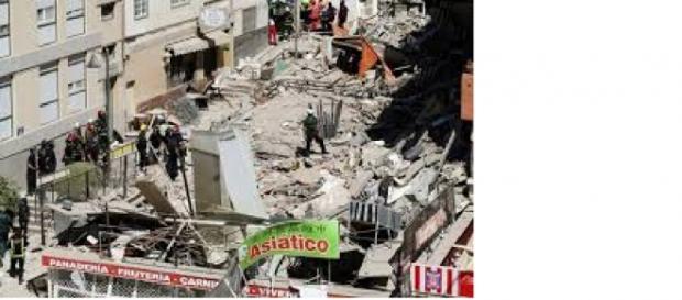 immagini della palazzina crollata a Tenerife
