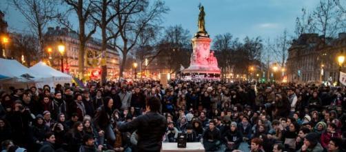 """Nella foto: manifestazione del movimento francese """"Nuit Debout"""""""