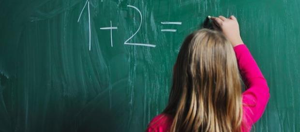 Copii amenințați și jigniți de învățătoare în sala de clasă