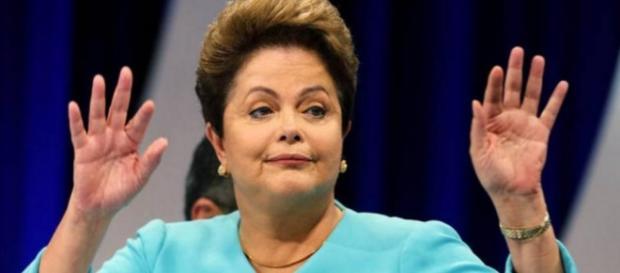 Dilma faz editorial na Folha - Imagem/Google