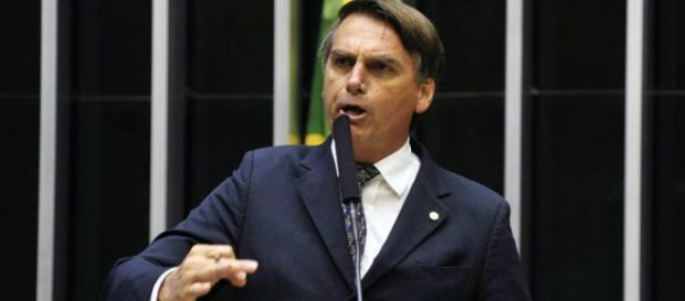 Jair Bolsonaro acusou o governo de tentar ataque para não sair do poder